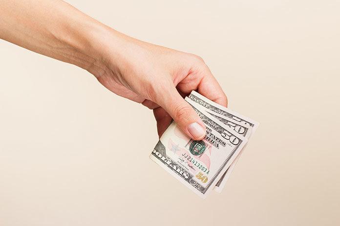 Jak w pełni korzystać z zakupów w serwisie Ali Expres? Kup taniej dolary i zyskuj!