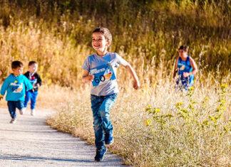Odzież i obuwie dla młodego biegacza